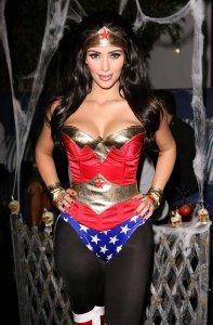 Kim-Kardashian-sported-sexy-Wonder-Woman-costume-her-annual